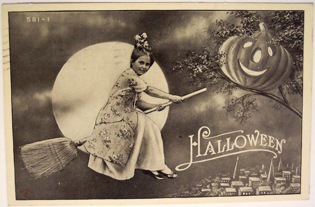 Halloween Fashion Vintage Style